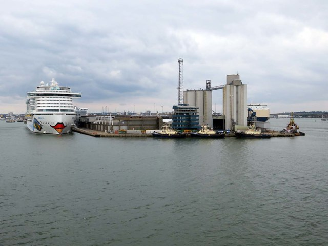 The QE II Terminal and the Grain Terminal