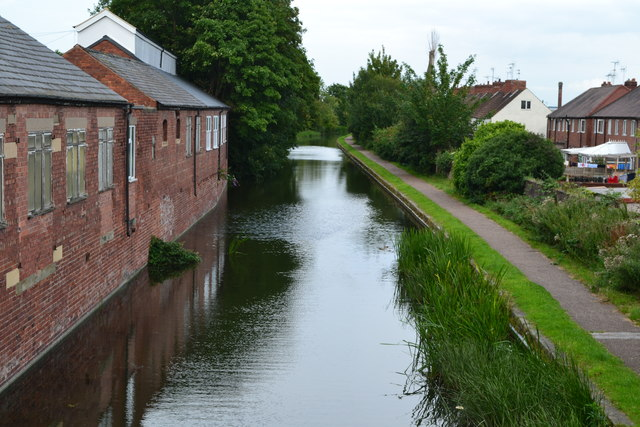 Chesterfield Canal east of Priorswell Road