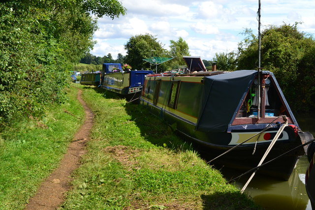 Moored narrowboats south of Cropredy, Oxford Canal
