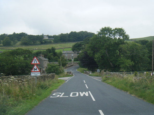 Wyresdale Road nears Condors Mill Bridge