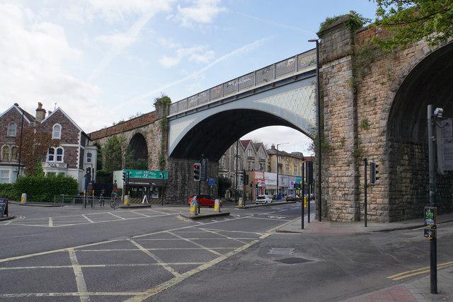 Railway bridge over Cheltenham Road