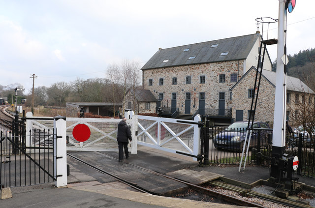 Staverton Station - the crossing keeper