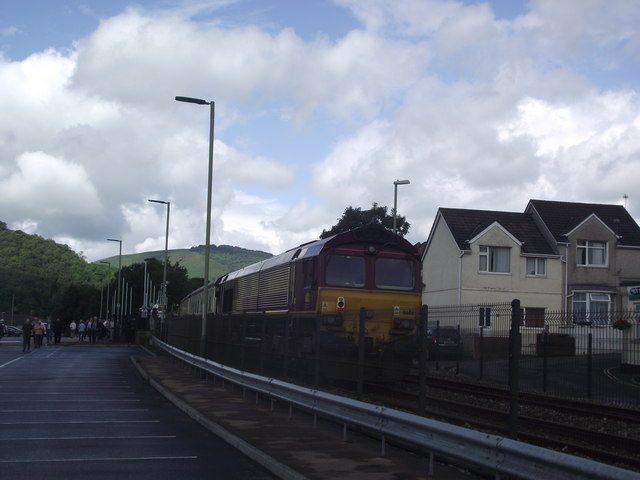 Risca and Pontymister railway station