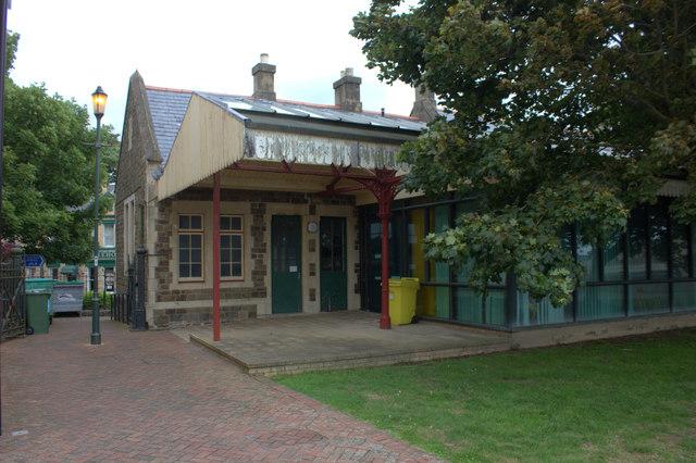 Barnstaple Town station platforms