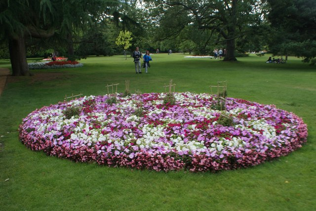 View of a flowerbed in Greenwich Park #7