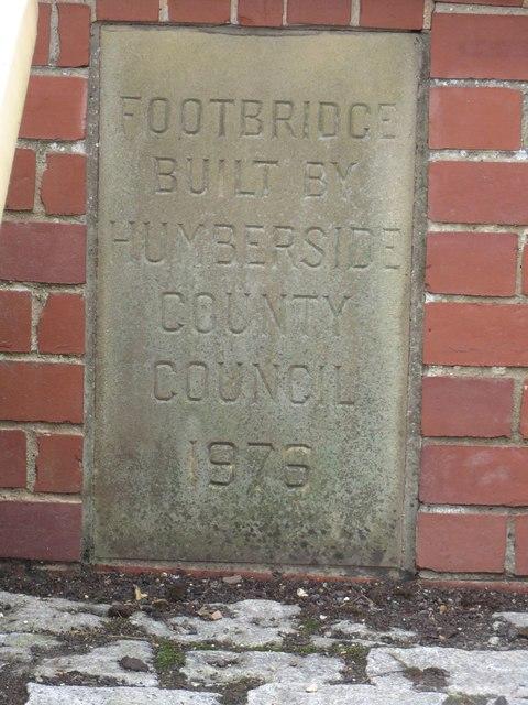 Inscribed stone, Hull Bridge