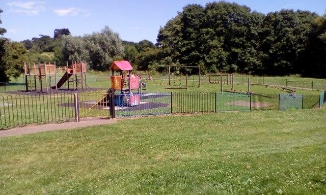 Children's playground, off Chestnut Avenue, Exeter