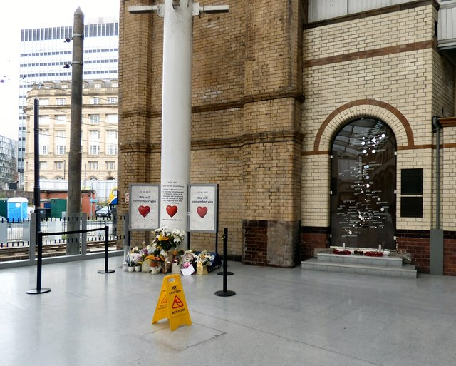 Tributes at Victoria Station