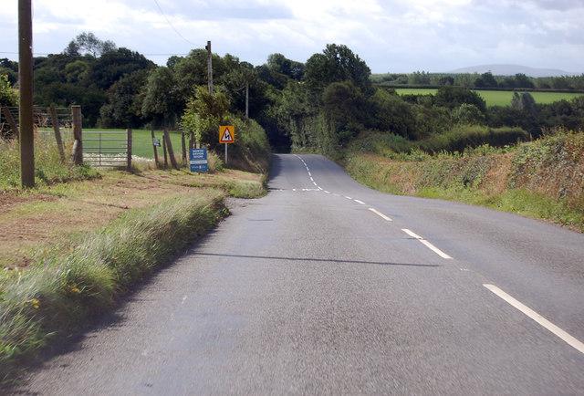 A3124 towards Cock's Bridge