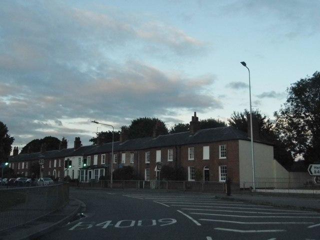 Shaw Road, Shaw