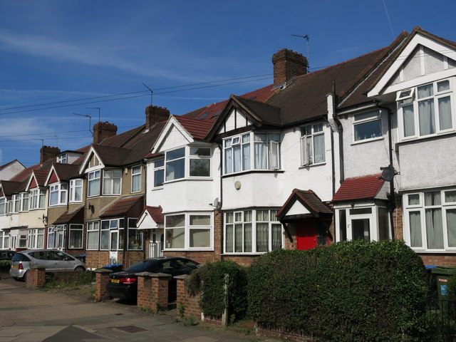 Station Approach, Greenford
