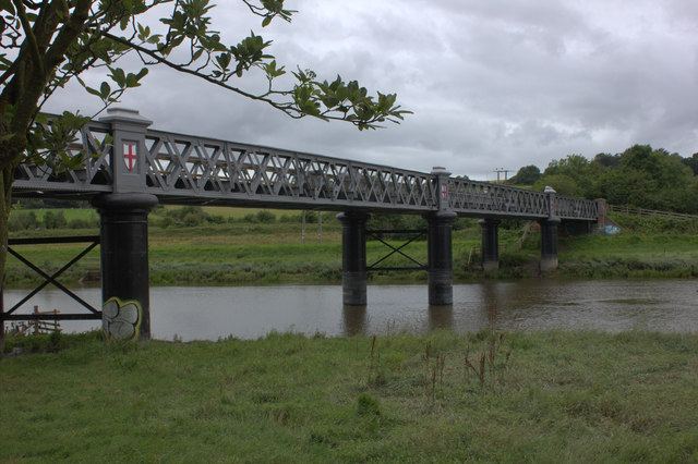 Old GWR bridge over the River Taw