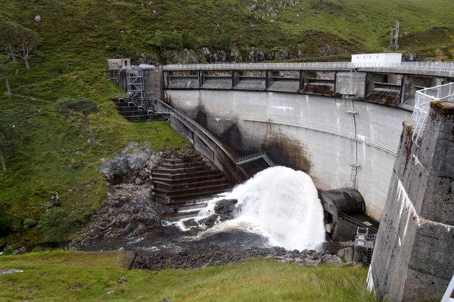 The dam at Monar Loch