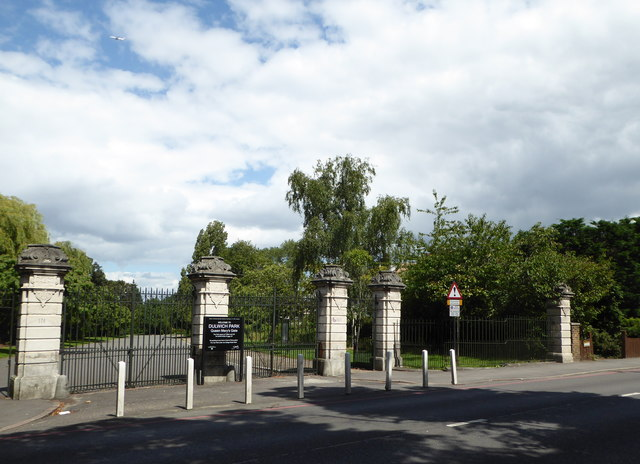 Queen Mary's Gate, Dulwich Common