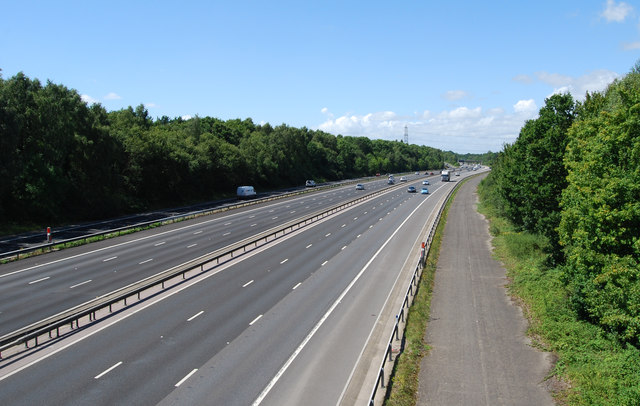 M27 looking westwards from Whiteley Lane in 2017
