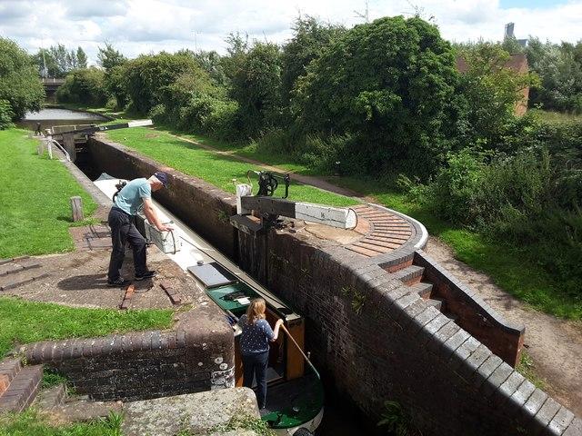 Worcester & Birmingham canal lock number 16 from Offerton Bridge