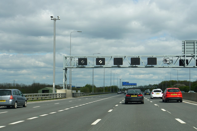 The M1 approaching Junction 42