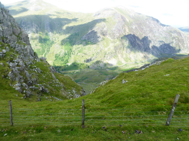 Looking down a gully on the south east side of Llechog