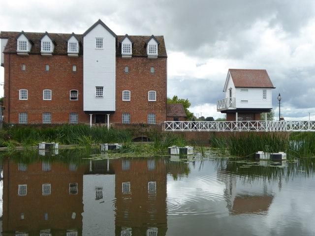 Abbey Mill on the Mill Avon cut