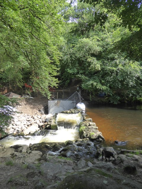 Construction on a weir on the River Teign