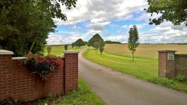 Entrance to Wheatley Grange Farm