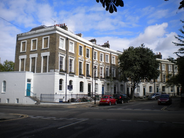 West end of Thornhill Crescent, Barnsbury
