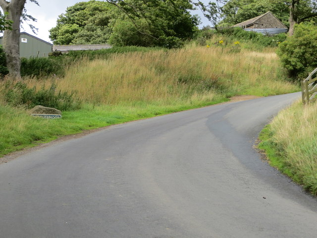 Road entering Middlesmoor
