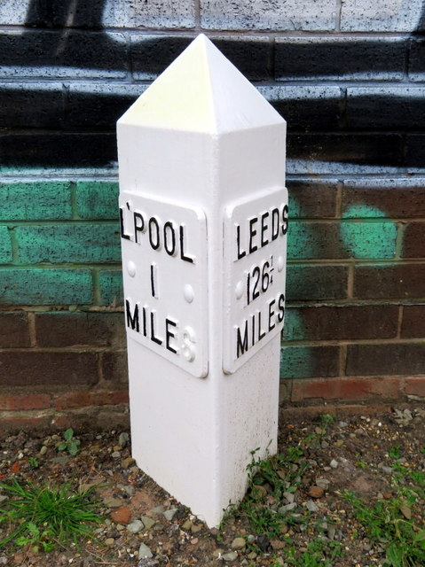 Leeds-Liverpool Canal Milepost north of Boundary Road, Liverpool