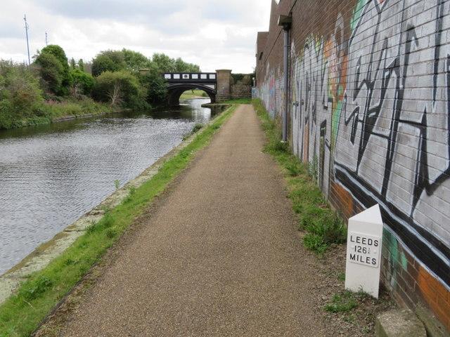 Leeds-Liverpool Canal towards Boundary Bridge, Liverpool