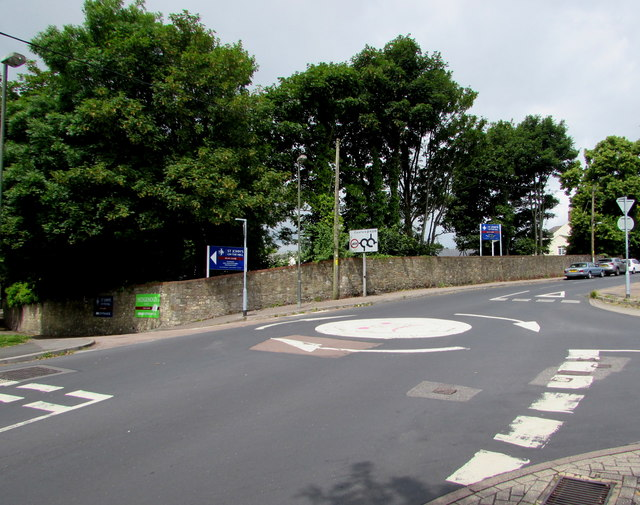 Mini-roundabout junction in Tutshill