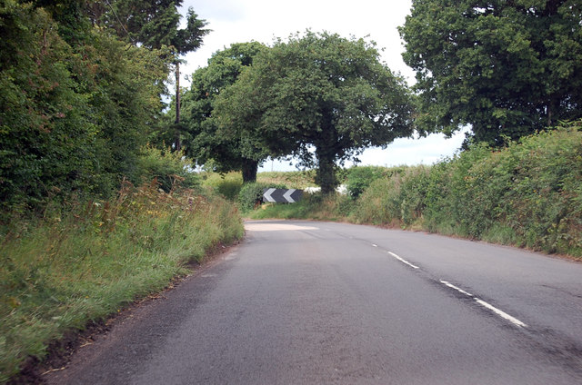 A3124 bend before junction