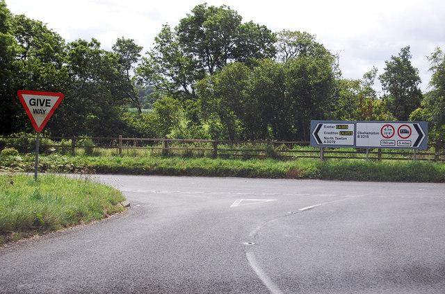 A3072 towards Newland Cross