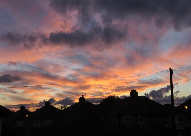 Suburban sunset, Hull