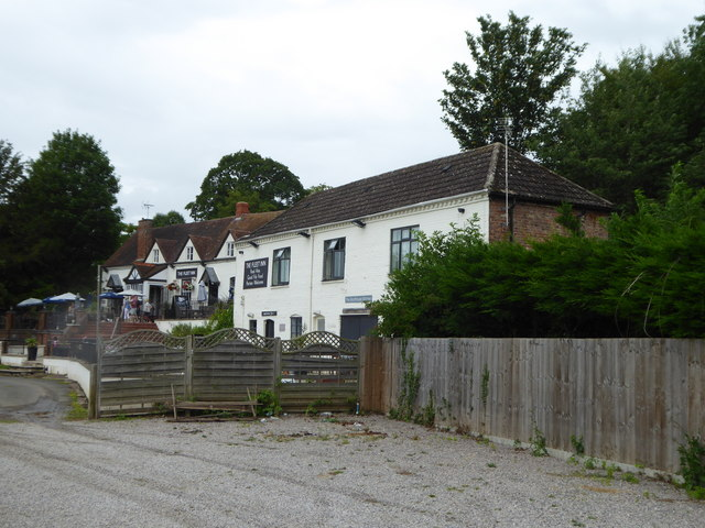 The Fleet Inn on the River Avon at Twyning