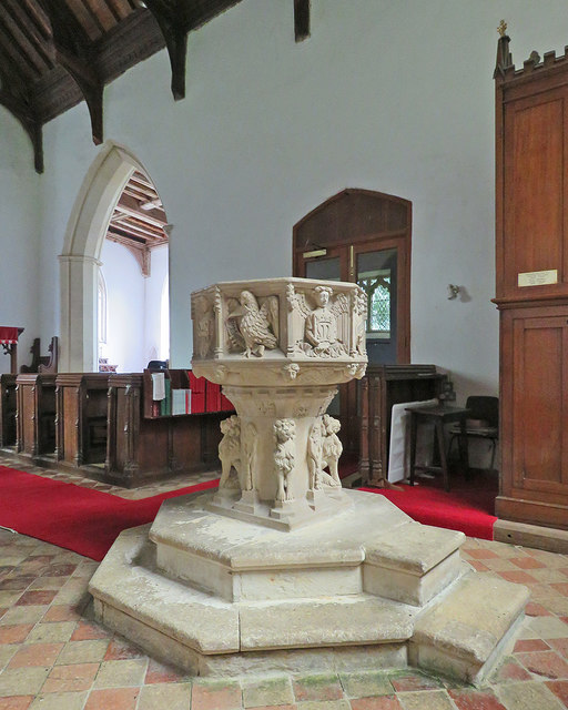 Newbourne: St Mary - the font