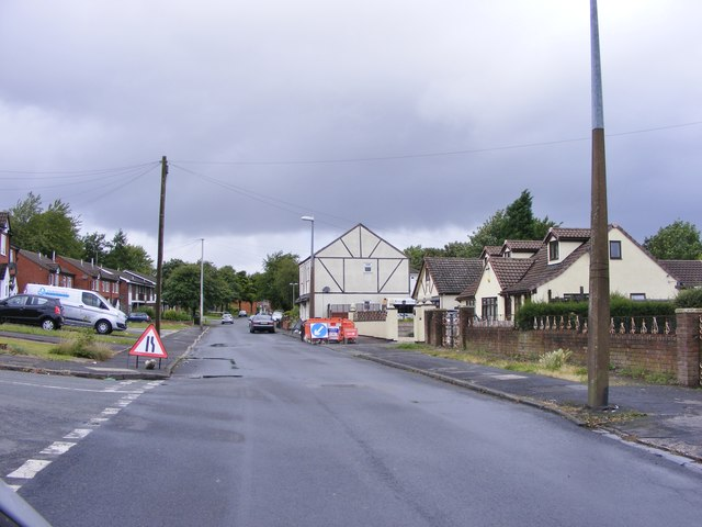 Hollywell Street