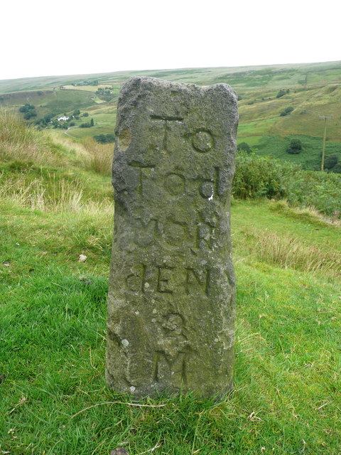 Guide stone on Reddyshore Scout Gate, Walsden - Todmorden face