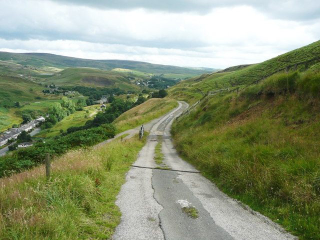 The Pennine Bridleway joining the driveway to Reddyshore Farm, Walsden