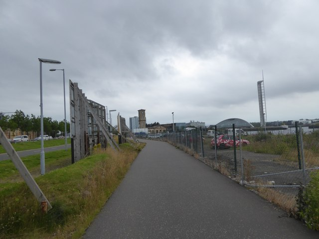 Foot and cycle path along Yorkhill Quays