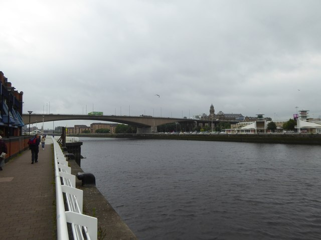 Clyde Walkway, the river and Kingston Bridge