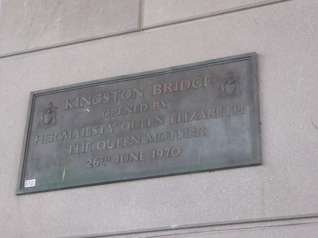 Plaque on the Kingston Bridge