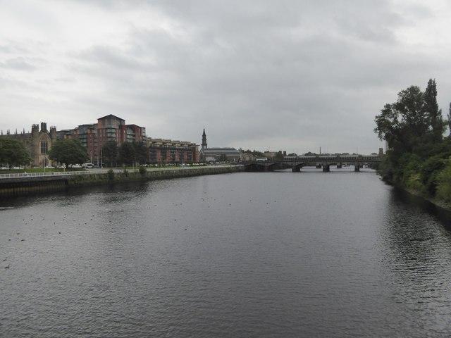 River Clyde and Victoria Bridge