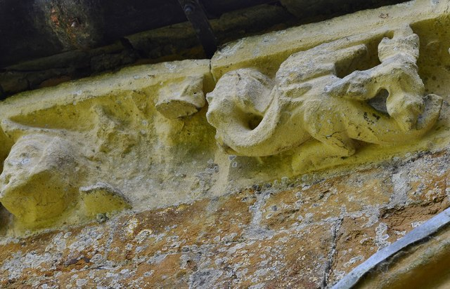 Hanwell, St. Peter's Church: North frieze, ca. 1340: Winged creature with human face