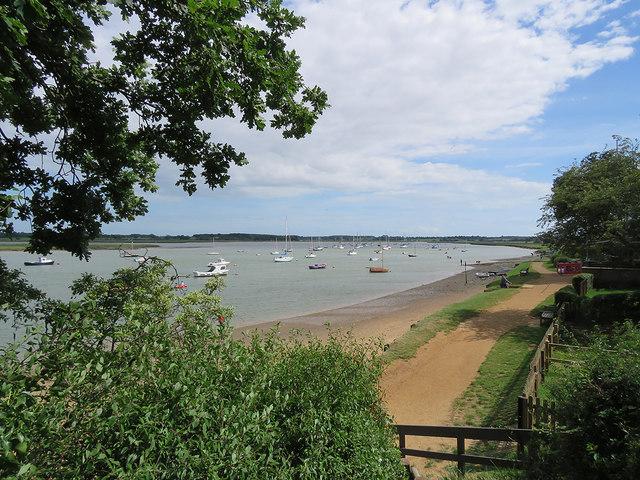 Waldringfield: down to the beach