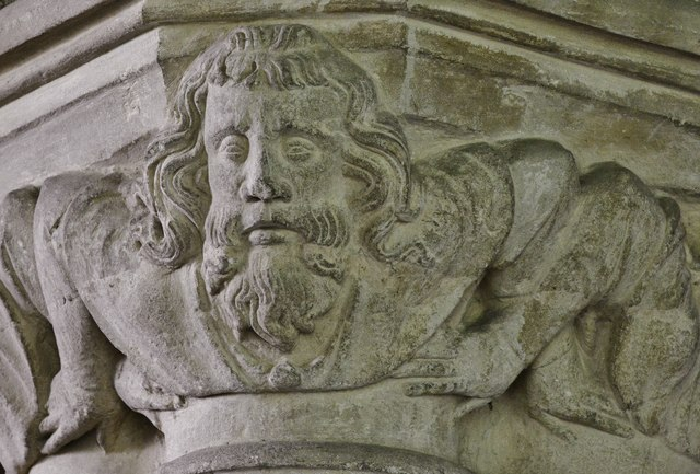 Hanwell, St. Peter's Church: The capital below the medieval fiddler sculpture