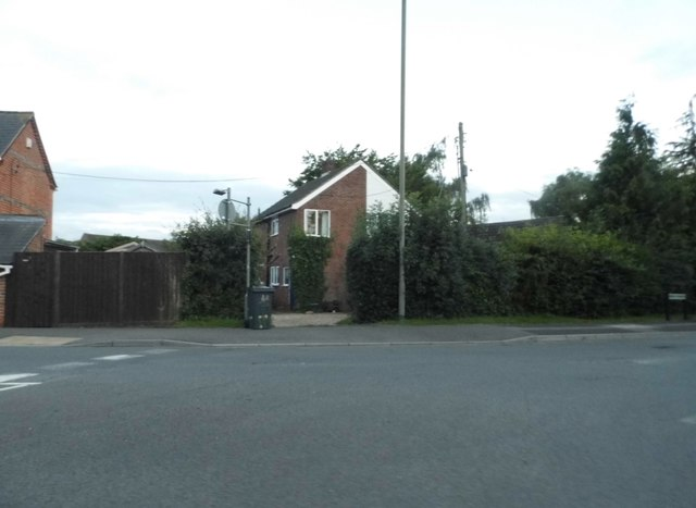 Junction on Heath Lane, Thatcham