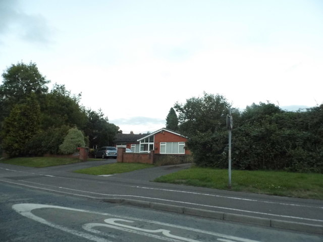 Bungalow on Floral Way, Thatcham