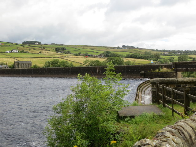 Ponden Reservoir Dam and Outflow