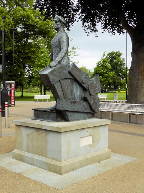 The Railway Man's Statue, Eastleigh