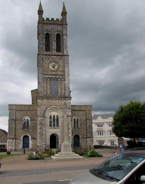 High Street church and War Memorial, Honiton